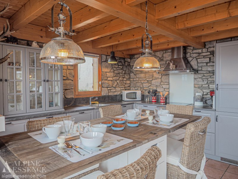 Chalet picture: The Hunting Lodge